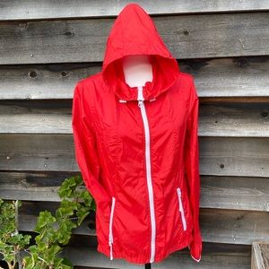 Bench red lightweight packable jacket with hood